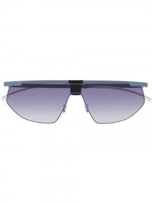 Массивные солнцезащитные очки с эффектом градиента Mykita. Цвет: синий