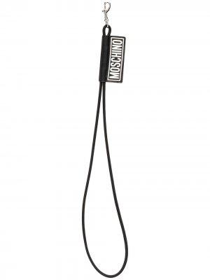 Брелок с длинным шнурком Moschino. Цвет: черный