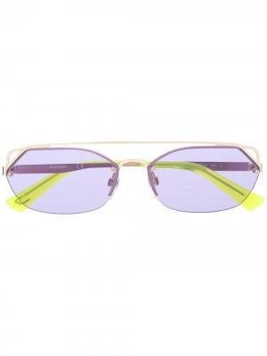 Затемненные солнцезащитные очки Diesel. Цвет: золотистый