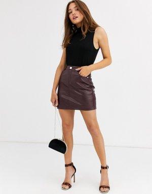 Темно-бордовая мини-юбка из полиуретана -Красный Lipsy
