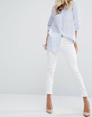 Белые узкие брюки Boss Orange. Цвет: белый