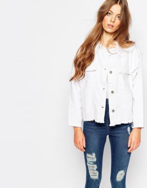 Укороченная джинсовая куртка с необработанным краем Hanna Waven Petite. Цвет: белый
