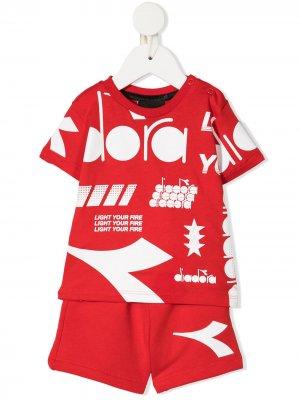Комплект из футболки и шортов с логотипом Diadora Junior. Цвет: красный