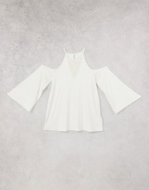 Блузка с вырезами на плечах и кружевной вставкой -Белый Lipsy
