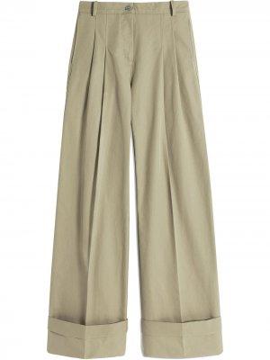 Расклешенные брюки чинос с завышенной талией Victoria Beckham. Цвет: коричневый