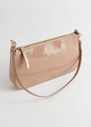 Небольшая сумка из лакированной кожи &Other Stories. Цвет: бежевый