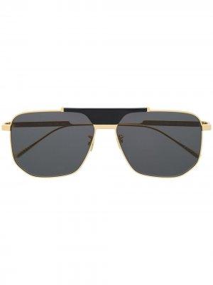 Солнцезащитные очки шестиугольной оправе Bottega Veneta Eyewear. Цвет: золотистый