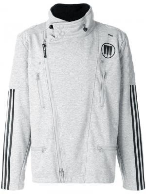 Легкая куртка с молниями по бокам adidas. Цвет: серый