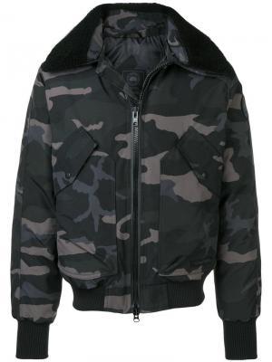 Куртка-бомбер с принтом в стиле милитари Canada Goose. Цвет: черный