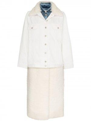 Джинсовая куртка с овчиной Natasha Zinko. Цвет: белый