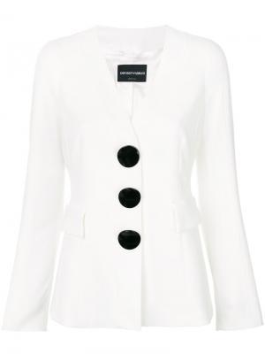 Приталенный пиджак с большими пуговицами Emporio Armani. Цвет: белый