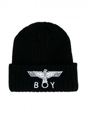 Шапка-бини с вышитым логотипом Boy London Kids. Цвет: черный