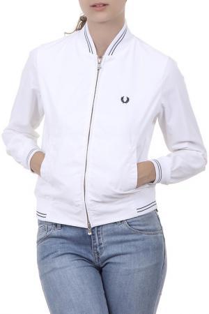Куртка Fred Perry. Цвет: белый