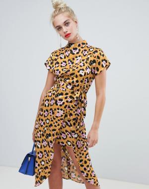 Платье с высоким воротником и леопардовым принтом River Island. Цвет: желтый