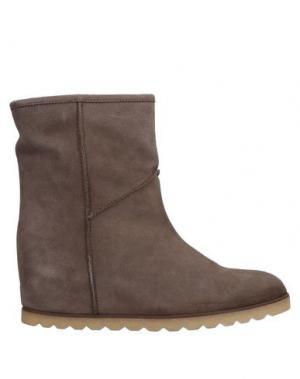 Полусапоги и высокие ботинки CINTI. Цвет: какао