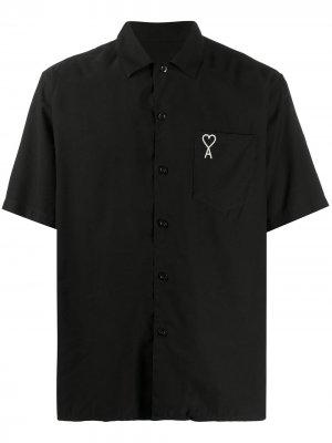 Рубашка с короткими рукавами и логотипом AMI. Цвет: черный