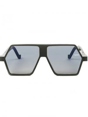 Солнцезащитные очки с угловатой оправой Vava. Цвет: серый