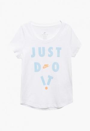 Футболка Nike Sportswear Girls T-Shirt. Цвет: белый