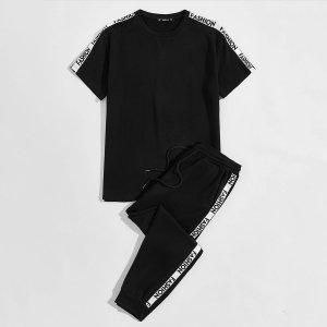 Мужские спортивные брюки и футболка с текстовым принтом SHEIN. Цвет: чёрный