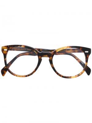 Очки в черепаховой оправе Cutler & Gross. Цвет: коричневый