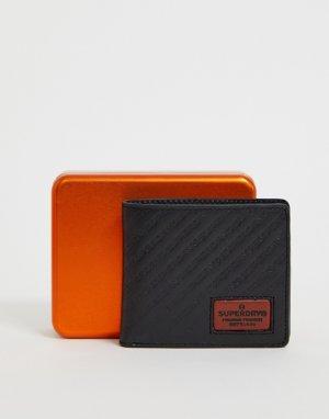 Черный кожаный бумажник с логотипом Badgeman Superdry. Цвет: черный