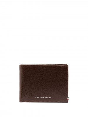 Бумажник с тисненым логотипом Tommy Hilfiger. Цвет: коричневый
