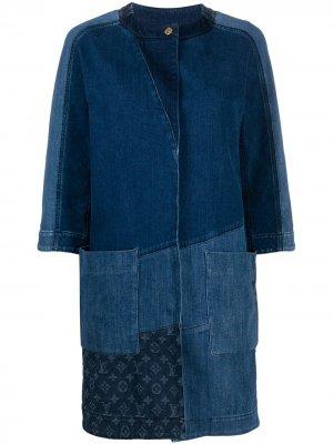 Джинсовое пальто 2010-го года в технике пэчворк Louis Vuitton. Цвет: синий