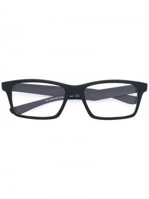 Очки в квадратной оправе Oakley. Цвет: чёрный