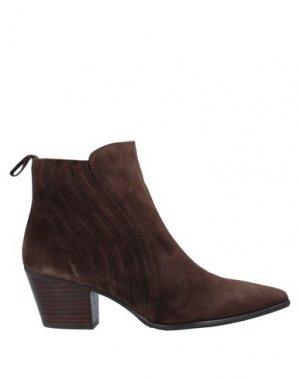 Полусапоги и высокие ботинки PEDRO MIRALLES. Цвет: коричневый