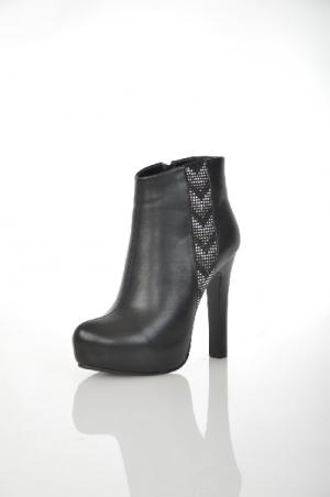 Ботинки 1TO3. Цвет: черный