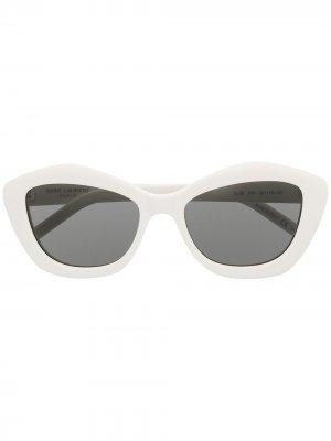 Солнцезащитные очки SL68 в оправе кошачий глаз Saint Laurent Eyewear. Цвет: белый