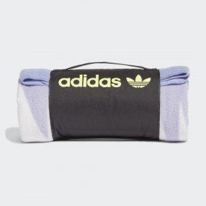 Плед Adventure adidas. Цвет: зеленый