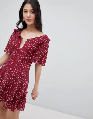 Платье мини с глубоким вырезом и принтом звезд Finders-Красный Finders Keepers