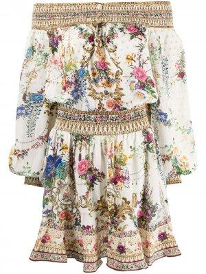 Платье с открытыми плечами и цветочным принтом Camilla. Цвет: белый