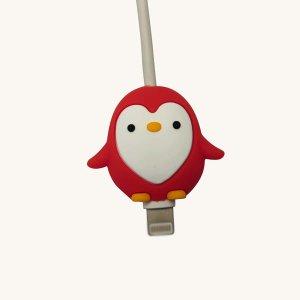 Протектор для кабеля передачи данных в форме пингвина SHEIN. Цвет: красный