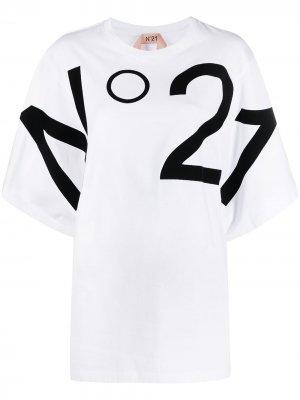 Футболка оверсайз с логотипом Nº21. Цвет: белый