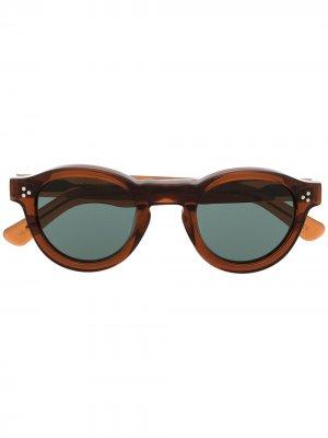 Солнцезащитные очки в круглой оправе Lesca. Цвет: коричневый