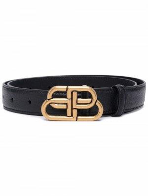Тисненый ремень с пряжкой-логотипом BB Balenciaga. Цвет: черный