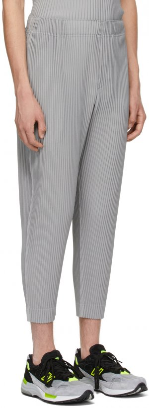 Grey Monthly Color March Trousers Homme Plissé Issey Miyake. Цвет: 13 medium gray