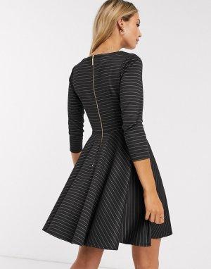 Черное короткое приталенное платье в полоску с рукавами 3/4 Closet-Черный Closet London