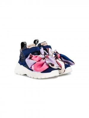 Кроссовки с декоративным платком Emilio Pucci Junior. Цвет: синий