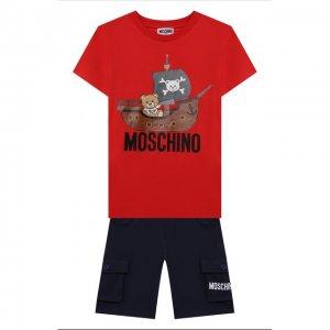 Комплект из футболки и шорт Moschino. Цвет: разноцветный