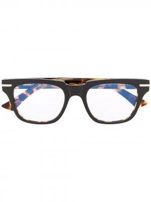 Очки Kingsman Frame в оправе черепаховой расцветки Cutler & Gross. Цвет: коричневый