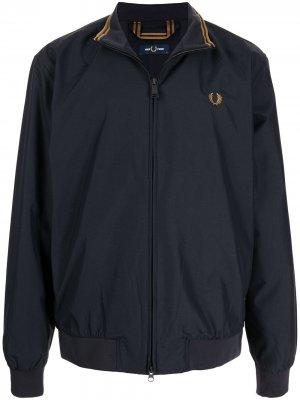 Легкая куртка с вышитым логотипом FRED PERRY. Цвет: синий