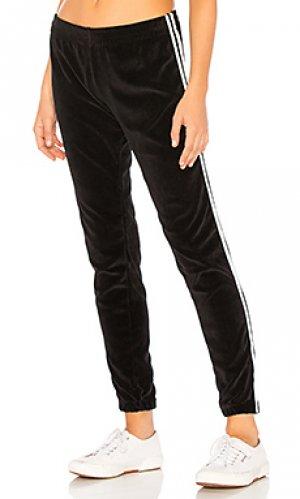 Спортивные брюки mozzarella Indah. Цвет: черный