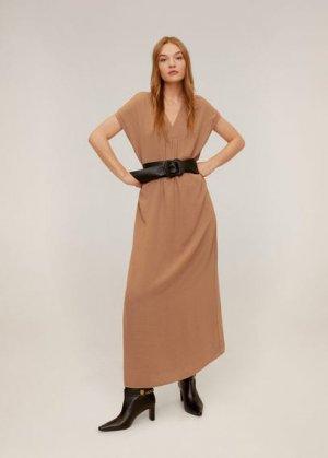Длинное платье с V-образной горловиной - Balmes-a Mango. Цвет: коричневый