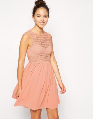 Кружевное платье из шифона без рукавов American Apparel. Цвет: розовый