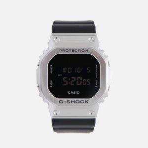 Наручные часы G-SHOCK GM-5600-1ER CASIO. Цвет: серебряный