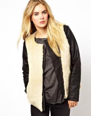 Куртка в кожаном стиле с меховой отделкой Vila. Цвет: черный