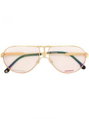 Классические солнцезащитные очки-авиаторы Carrera. Цвет: золотистый